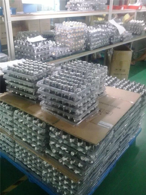 LED light bulb production line